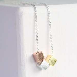 delicate cube necklace – gold silver and rose gold – O21A8691-300×300