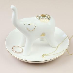 elephant-jewellery-dish-4x3a0256-300×300