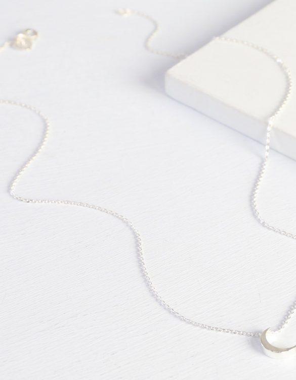 moon necklace – silver – O21A7177-900×900